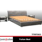 Yulian Bed Tempat Tidur Rotan AlamiTTRT003