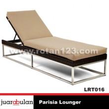 Parisia Lounger Rotan Sintetis